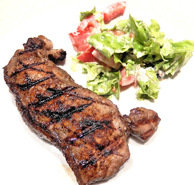 Juicy Barbecued Sirloin Steak and a Simple Lettuce Salad