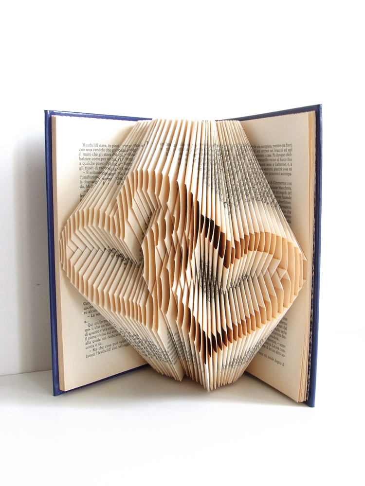 https://www.oddity-london.com/2020/06/libro-corazones-entrelazados.html