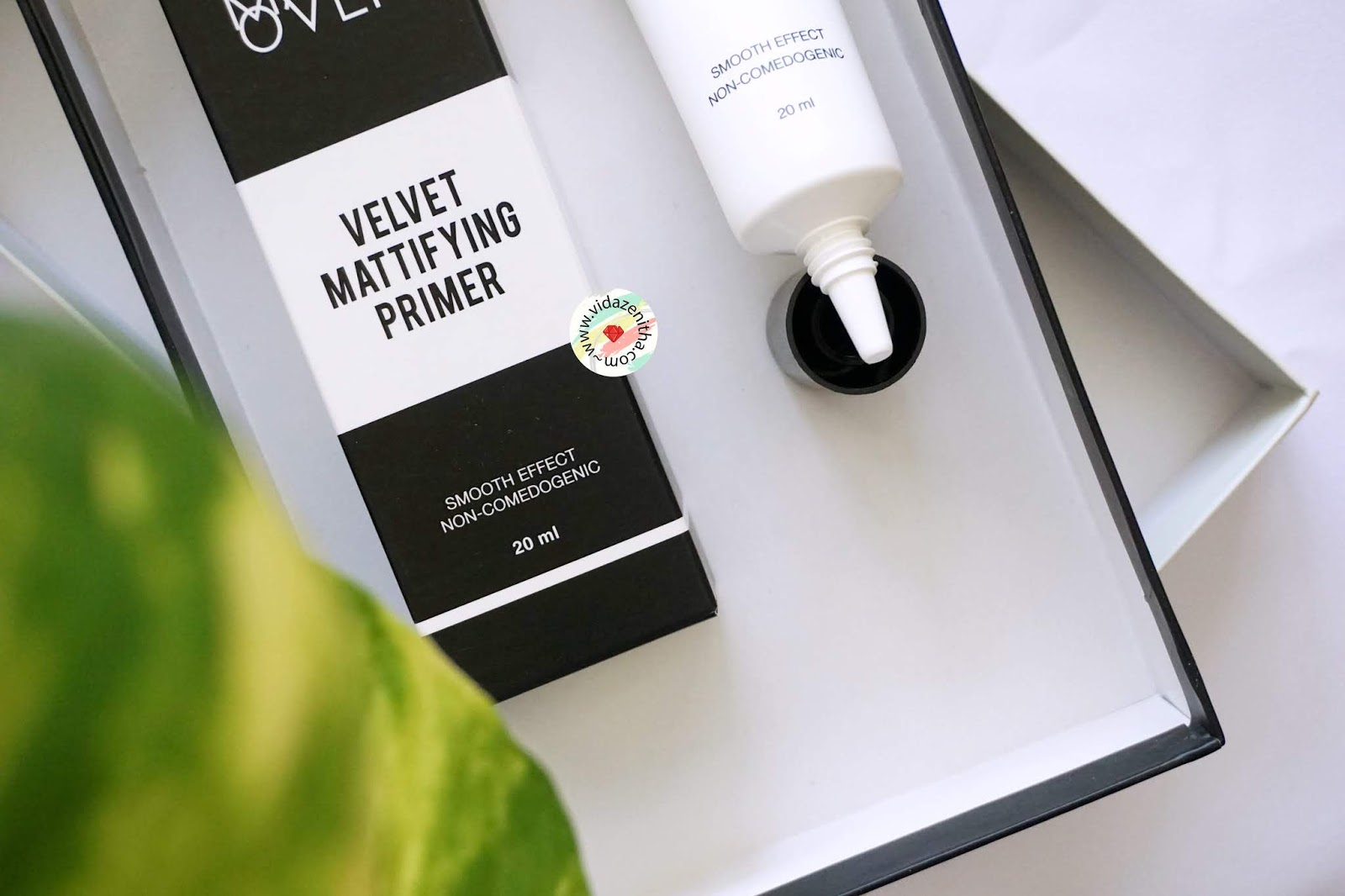 化妆天鹅绒底漆评论| vidazenitha.com/2018/08/review-make-over-velvet-mattifying-primer.html