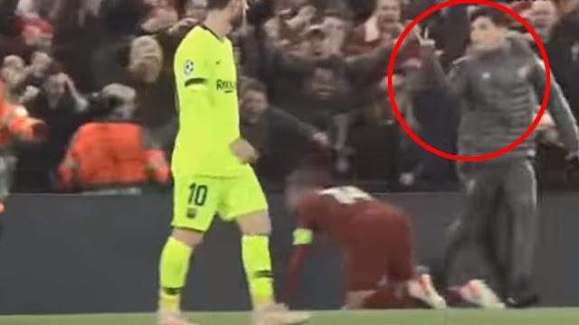 Messi bị cậu bé nhặt bóng của Liverpool sỉ nhục