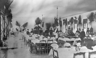 1885 image of Florida hotel dining room on Christmas Day