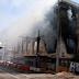 Φωτιά σε κτίριο στον Πειραιά -Ξεκινούν σήμερα εργασίες κατεδάφισης μετά τις καταστροφές