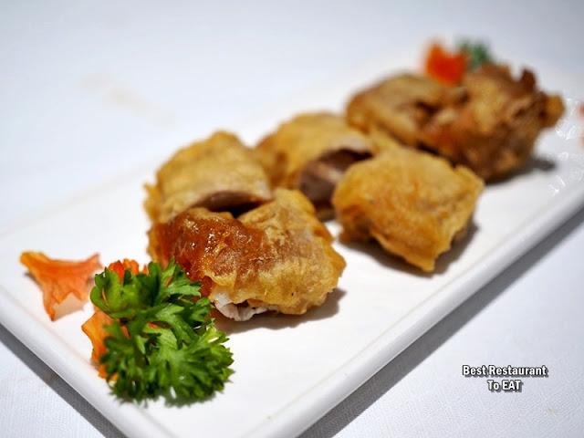 Chinese New Year Set Menu - Wan Chun Ting - Menu - Deep-Fried Chinese New Year Cake With Yam