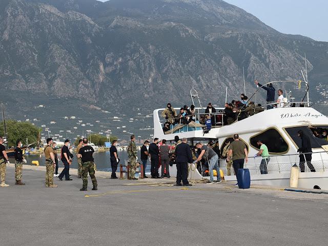 Η Περιφέρεια Πελοποννήσου συνδράμει στην φιλοξενία 182 μεταναστών στο λιμάνι της Καλαμάτας