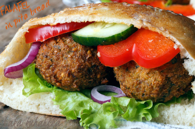 Falafel in pita bread by Laka kuharica: simple, flavorful, and hearty meal.