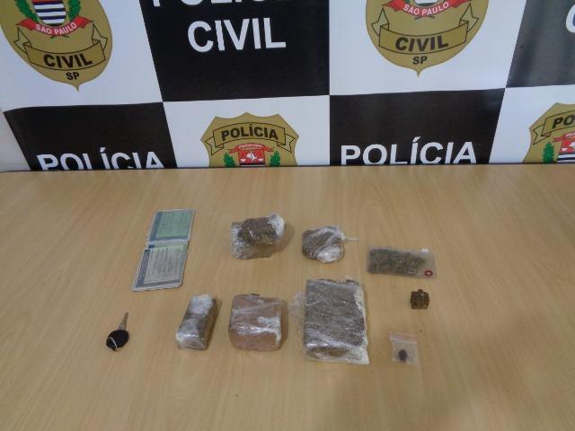 Polícia Civil prende casal que trazia drogas de Curitiba para vender nas cidades do Vale do Ribeira
