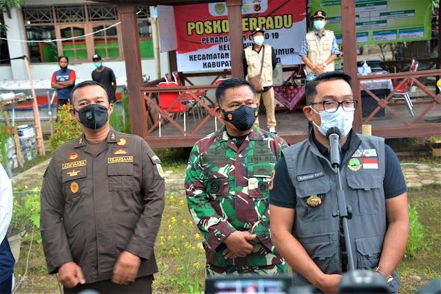 Pangdam III/Siliwangi Bersama Gubernur Dan Forkopimda Jabar Gelar Rakor Penanganan Covid-19 Di Karawang