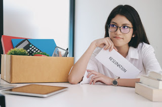 Berbagai Alasan Orang Memutuskan Resign Dari Tempat Kerja Versi Kaum Rebahan ID