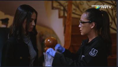 sinopsis film Sianida episode 8 web series lengkap link streaming nonton download polwan Dita Geledah Kamar Amelia.