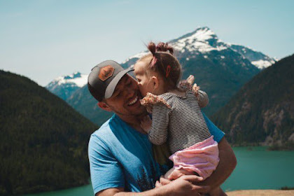 5 Contoh Puisi Rindu Ayah di Surga Terbaru Menyentuh Hati