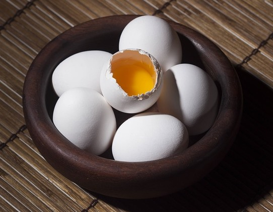 Eggs Showing Yolk in a Bowl Pixibay Image