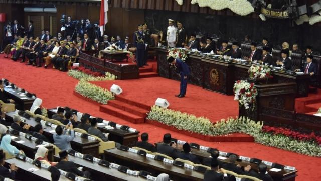 Rocky Gerung: Sidang Amandemen Bisa saja Tiba-tiba Berubah jadi Interpelasi ke Presiden