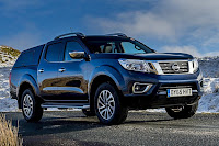 Nissan NP300 Navara Double Cab (2017) Front Side