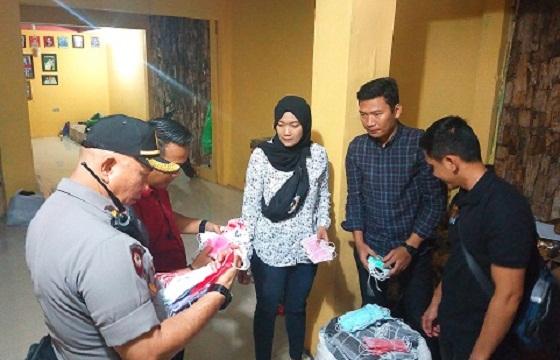 Polisi Temukan Penimbun Masker Diduga Bekas Di Kota Bandung