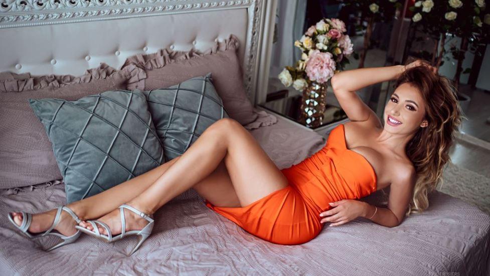 EveLopez Model GlamourCams