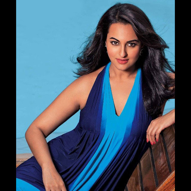 Sonakshi Sinha has got the power of an aphrodisiac hidden under her eyelashes.