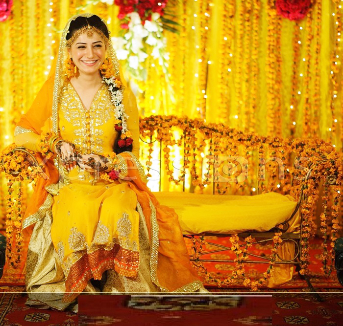 Glorious Mehndi Dresses For Bridles Swift Glow