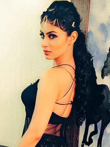 mouni-roy-back-hot