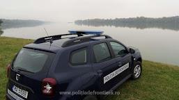 Doi cetățeni români salvați de polițiștii de frontieră