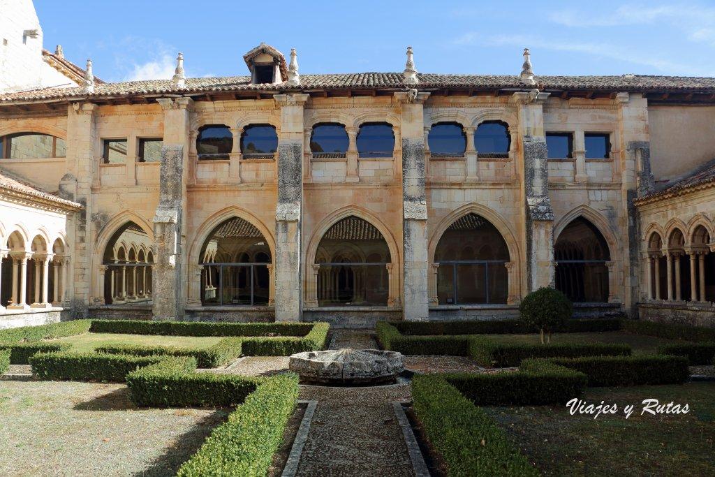 Claustro del Monasterio de San Andrés del Arroyo