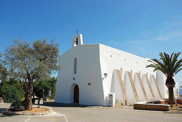 Iglesia-santuario y ermita de la Virgen del Carmen, construida por el Padre Palau. Es Cubells, Ibiza