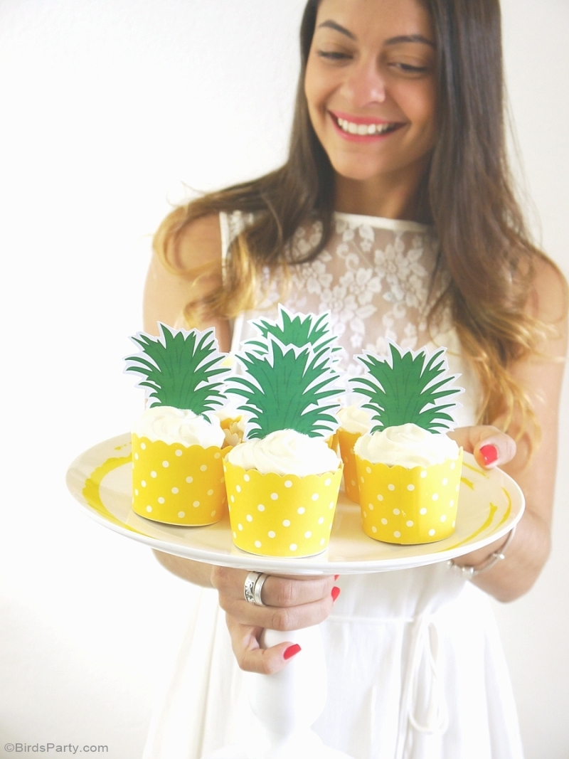 Party Like a Pineapple Birthday Cupcake with Printable Toppers - BirdsParty.com