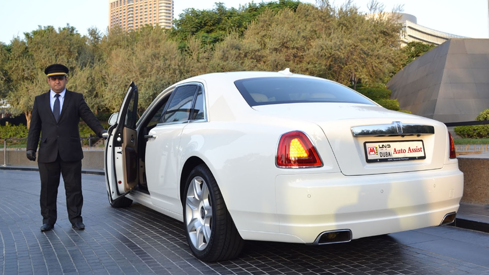 Hire A Luxury Limousine From A Known Company Auto Assist Car