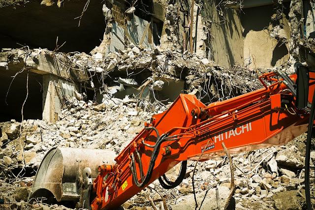 smaltimento rifiuti speciali-macerie-demolizione-cantiere edile