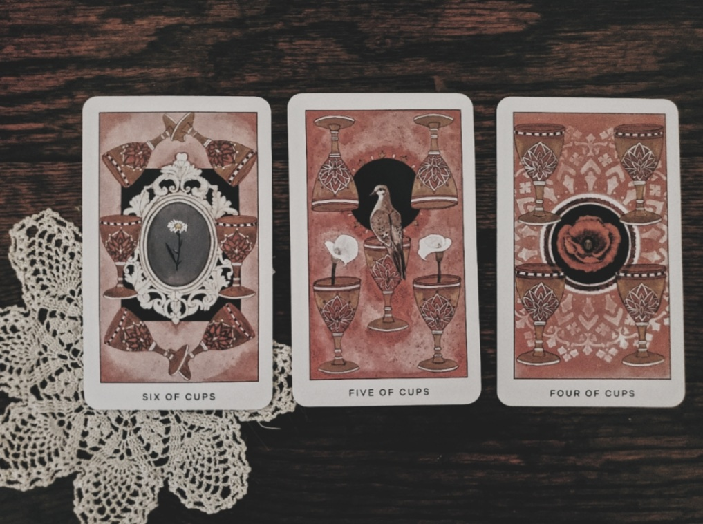 The Radiant Tarot, tarot, divination, rider waite, review, witchcraft, wicca, wiccan, pagan, neopagan, occult, hedge witch, hedgewitch,