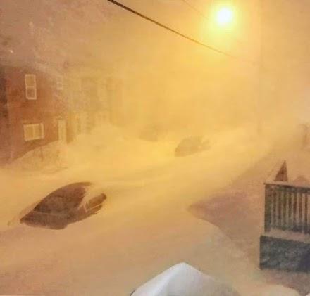 Απίστευτη χιονοθύελλα έπληξε τον Καναδά (εικόνες&videos)