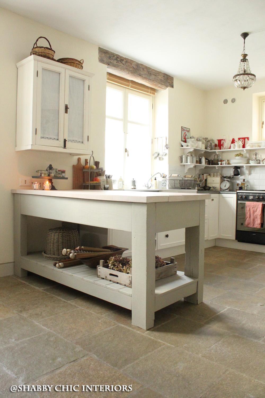 Il bancone della mia cucina shabby chic interiors - Mobili stile country ikea ...