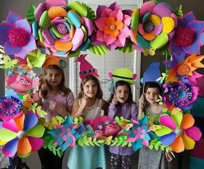 Ide dekorasi sekolah dengan bunga besar