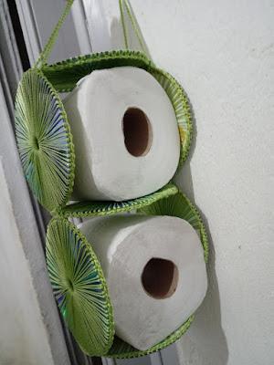 Porta papel higiênico de CDs