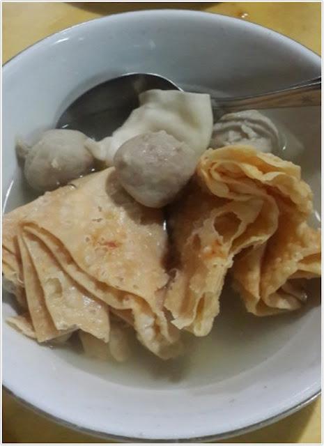 Satu porsi Bakso President;10 Top Kuliner Malang