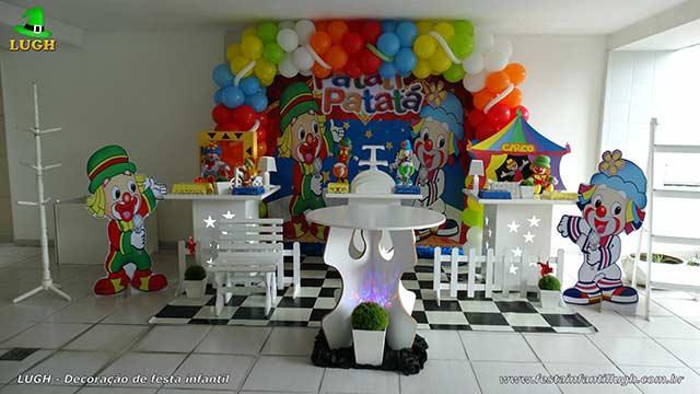 Tema Patati Patatá - Decoração para festa de aniversário infantil em mesa provençal simples