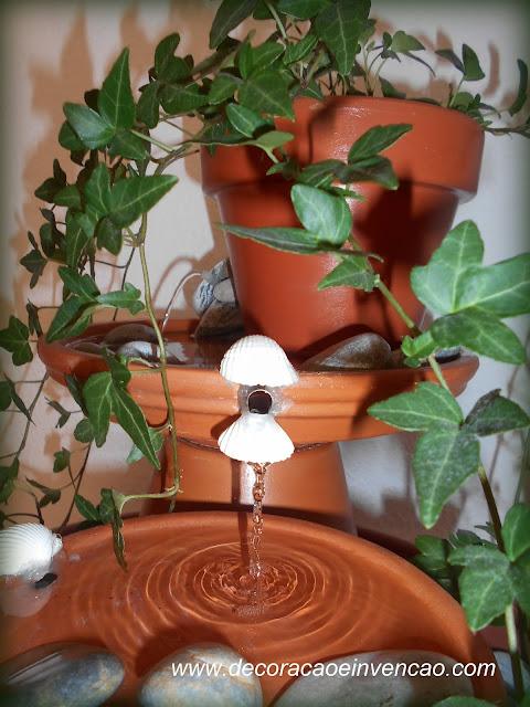 diy fonte de agua de vasinhos