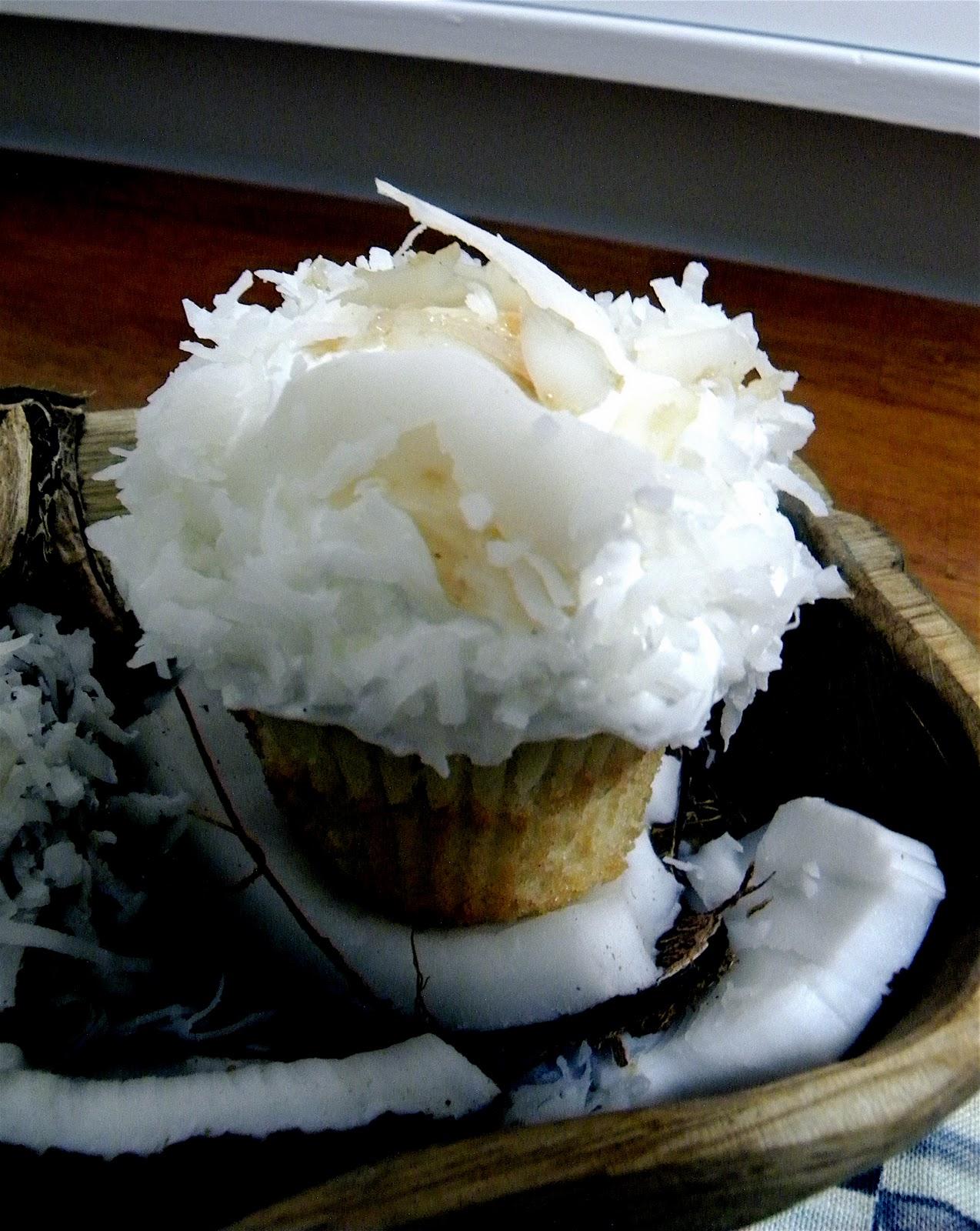 Coconut Cream Pie Cupcake   BlakeyCakes Cakes & Cupcakes
