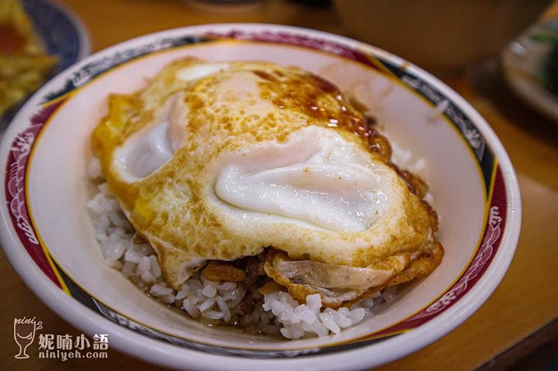 【西門町美食】天天利美食坊。鄉民激推半熟蛋滷肉飯