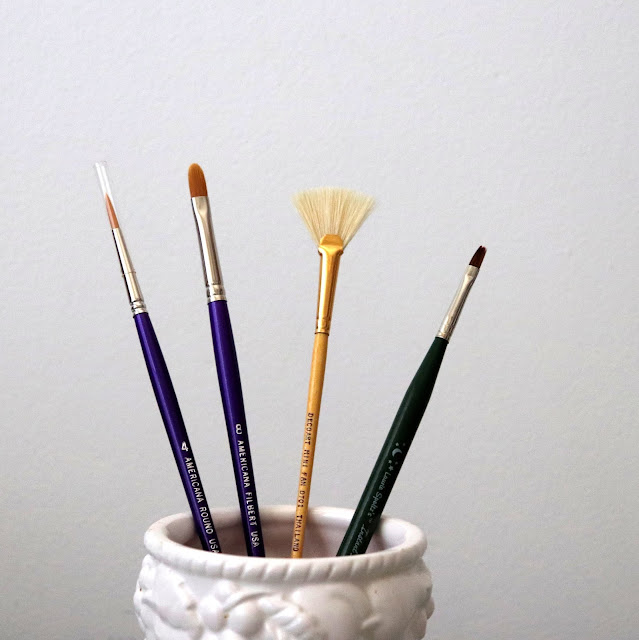 decoart paint brushes