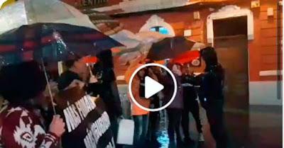 Funcionarios de prisiones se manifiestan en las Palmas de Gran Canaria a la llegada del Rey Felipe VI al Teatro Pérez Galdós
