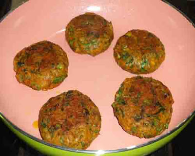 shallow fry the  hara bhara kabab