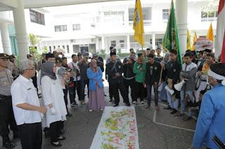 Bupati dan Wabup Tanggapi Tuntutan Mahasiswa IAI Syarifuddin