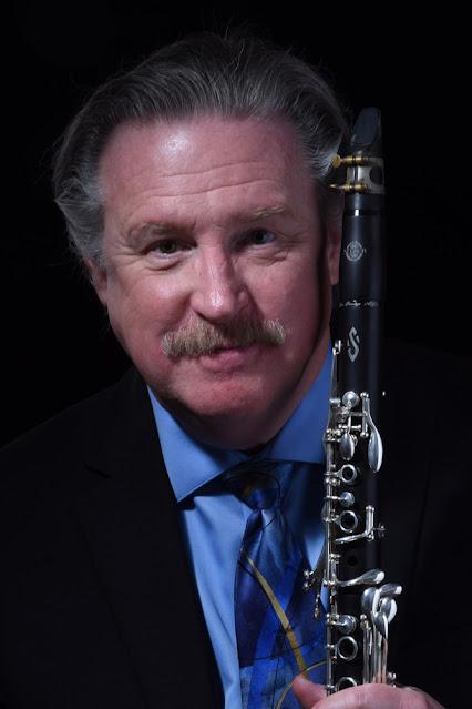 El clarinetista Robert Spring demuestra su asombroso calentamiento con el clarinete para CLARIPERU