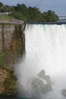 US Edge Of The Horseshoe Falls