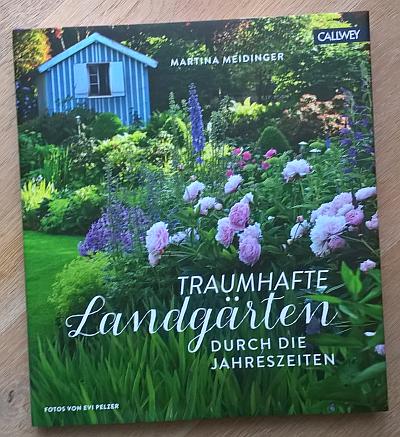 Traumhafte Landgärten durch die Jahreszeiten - Buchcover mit Werbelink