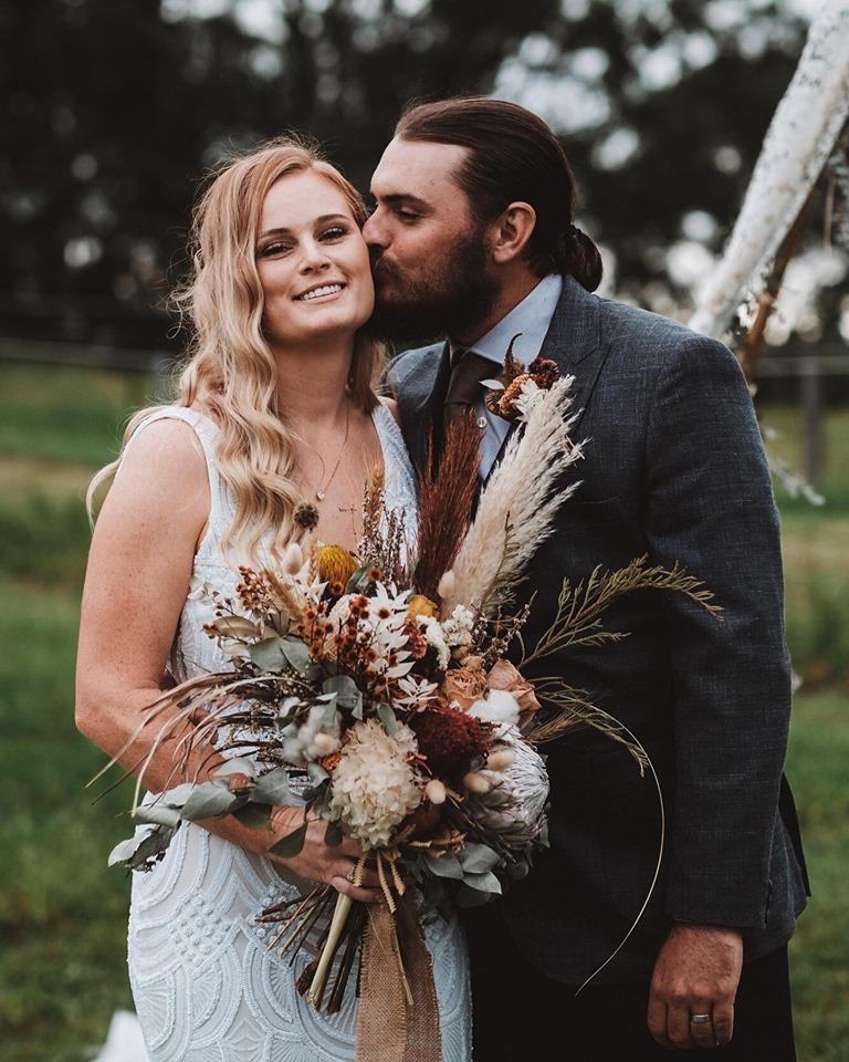 poly pixel maker brisbane wedding photography floral designer bridal bouquet florals