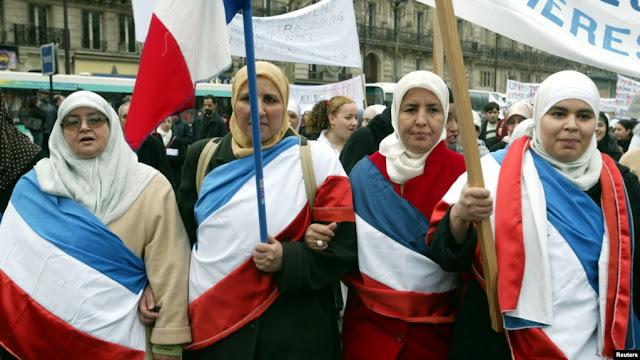 Perempuan Muslim Perancis Tolak Rencana Larangan Berhijab