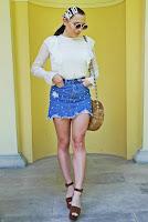 https://www.karyn.pl/2019/06/jeansowa-spodnica-i-brazowe-platformy.html