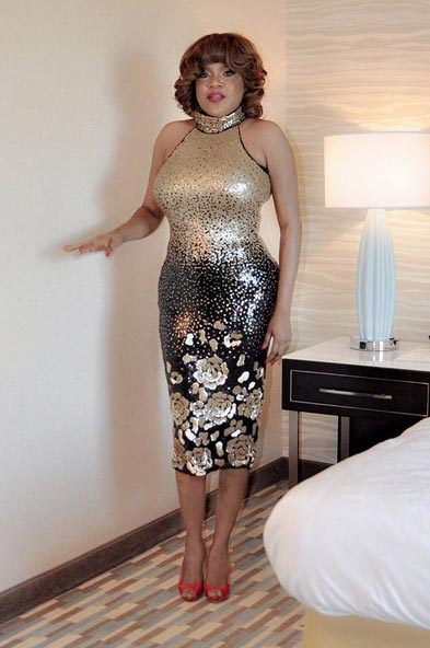 Fans Battle Each As Toyin Aimakhu Poses Awkwardly In New Photo