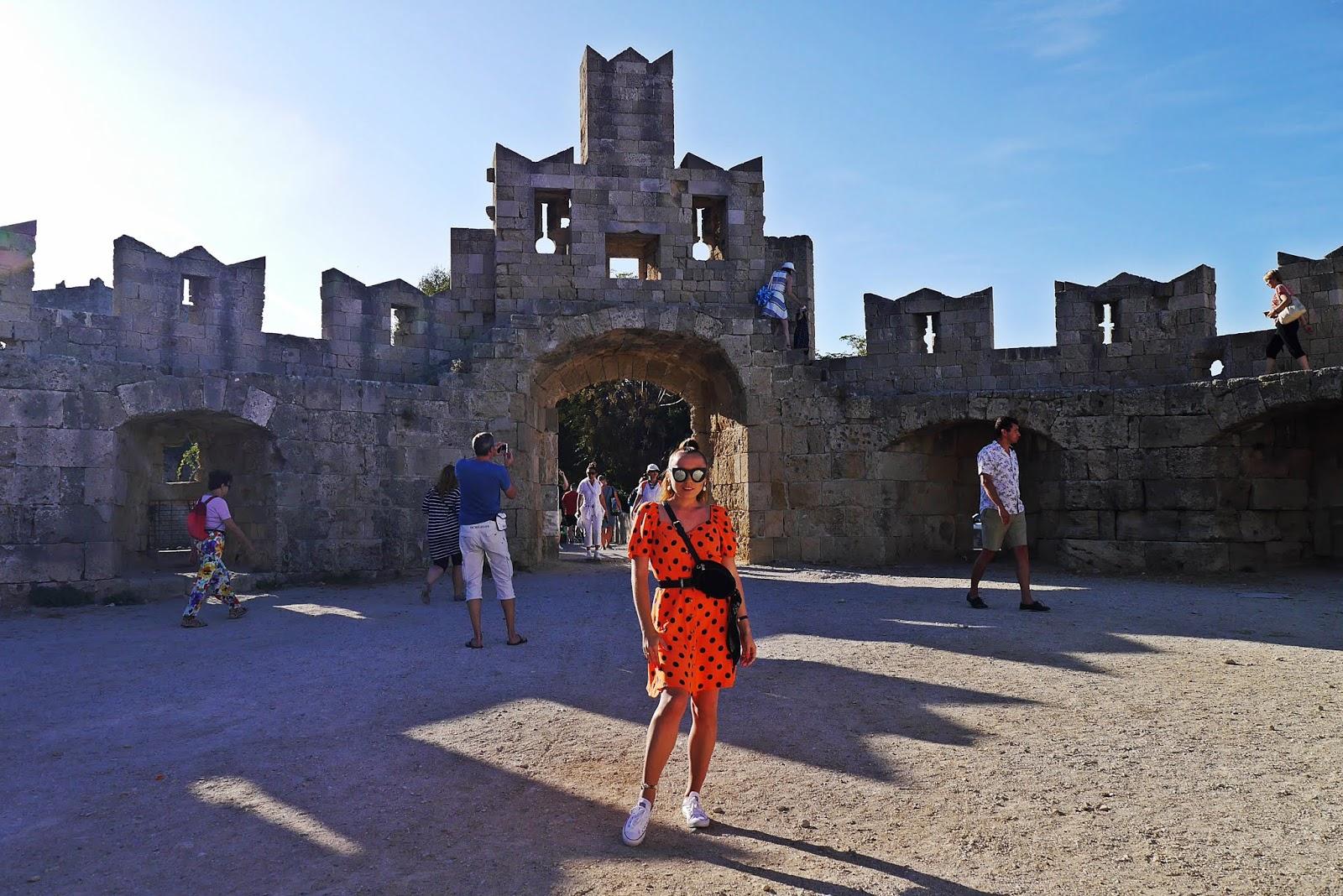 Ruiny strae miasto rodos grecja  rhodes podróż poślubna karyn blog modowy blogerka modowa